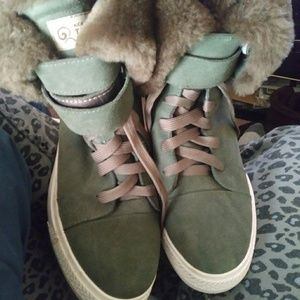 Uggs gym shoes